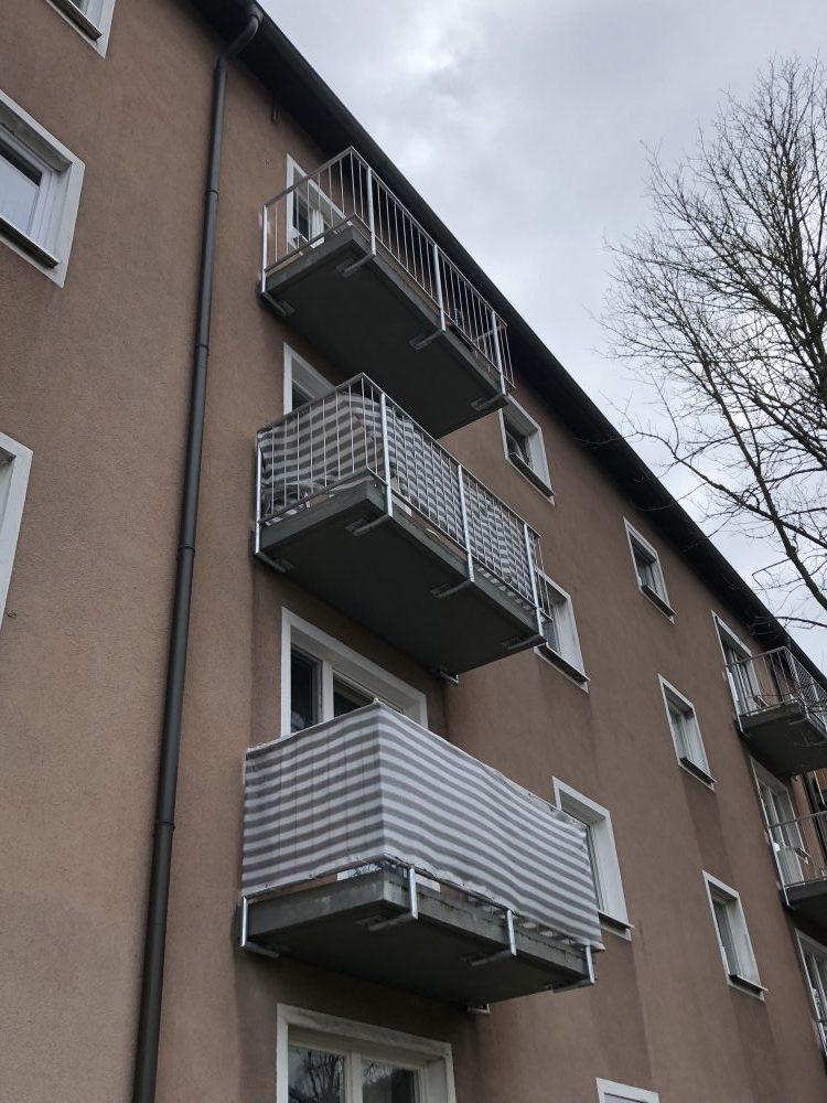 balkonbespannung aus stoff als sicht allwetterschutz. Black Bedroom Furniture Sets. Home Design Ideas